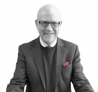 Steinar B. Christensen er redaktør i kundeserviceavisen.no.   Foto: Frank Homme