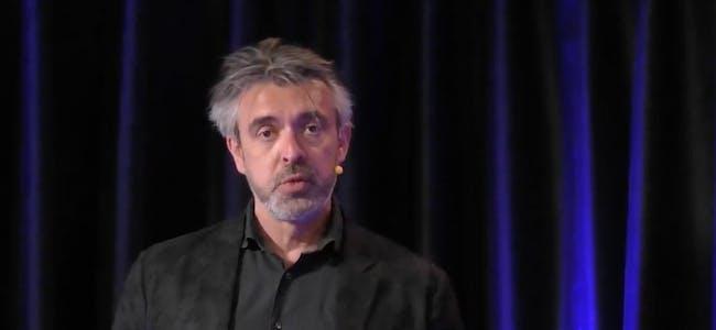 En engasjert Eirik Norman Hansen ledet Kundeservicedagene 2021 effektivt med gjester både i studio og digitalt fra distanse.
