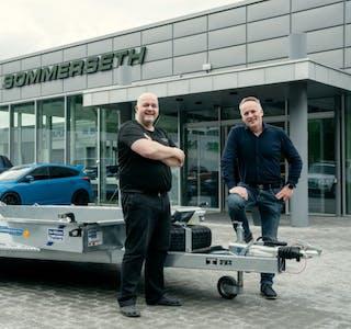 Fra venstre servicemarkedssjef Geir Arne Engere og Bård Sommerseth hos Sommerseth AS. Foto: Ifor Williams Norge AS.