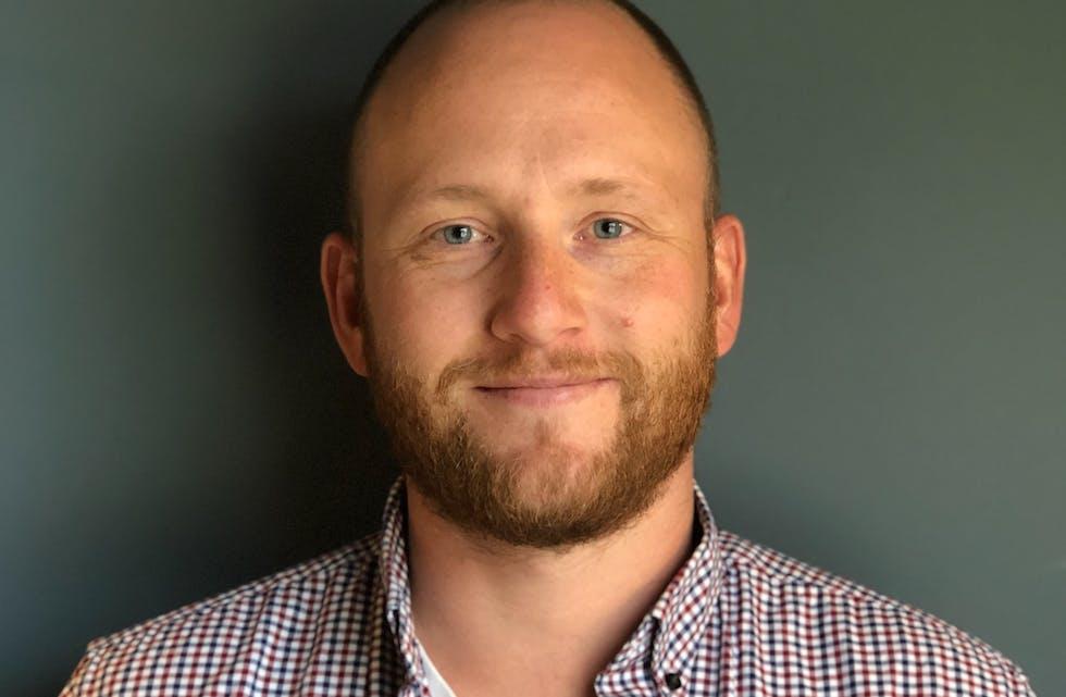 Andreas Helland er CEO i Atender, og eneste ansatte med bostad i Norge. Foto: Atender.