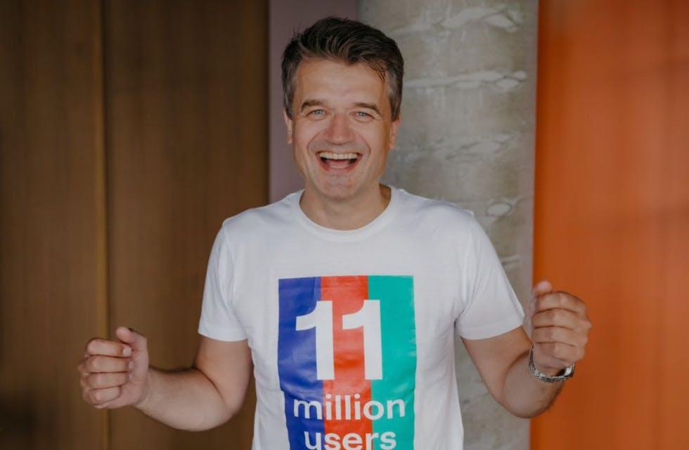 Vipps-sjef Rune Garborg jubler for 4 mill. vippsere. Med den kommende sammenslåingen med MobilePay og Pivo vil det bli 11 mill. brukere av lommeboken.