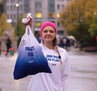 "Lunar og norgessjef Eilin Schjetne, inviterte kundene til ""plogging"" i Oslo sentrum."