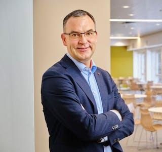 SINTEFs konserndirektør Morten Dalsmo er klar for å bygge landslag innen næringsdrevet digitalisering når regjeringen nå satser på forskningssentre for næringsdrevet digitalisering. Foto: SINTEF.